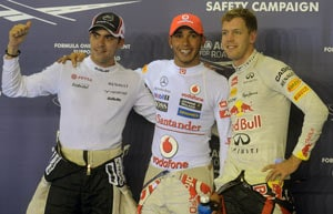 Lewis Hamilton takes pole position in Singapore