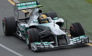 Lewis Hamilton apologises over pitstop mix-up