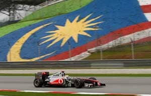 Hamilton fastest in final Malaysian practice