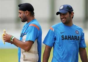 Yuvraj, Harbhajan will look to cement their places: Dhoni