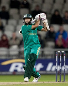 Hashim Amla shines before rain 'wins' 2nd T20