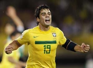 Brazilian Henrique set for QPR challenge