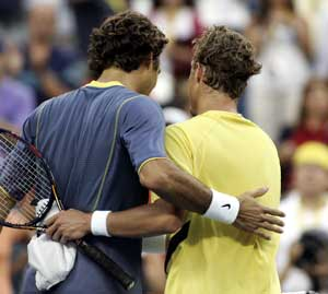 Golden oldies Federer, Hewitt are two of a kind