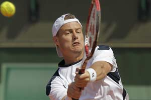 Lleyton Hewitt crushes Tomas Berdych at Kooyong