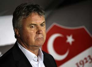 Turkey end coach Guus Hiddink's contract