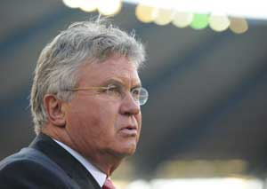 Guus Hiddink steps down as Anzhi Makhachkala manager
