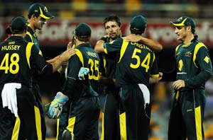 Australia thrash India and move to top of the table