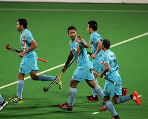 Hockey Olympians urge Indian team to focus on improving before 2014 World Cup