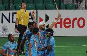 Indian hockey team leaves for London