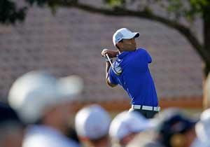 Birdie-birdie finish lifts Woods at Honda Classic