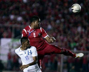 Honduras rout Canada, advance with Panama
