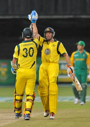 Hussey guides Australia to a series win