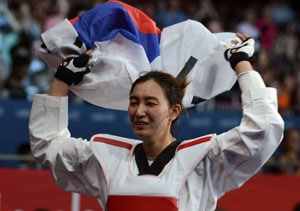 London 2012: South Korea's Hwang retains women's -67kg title