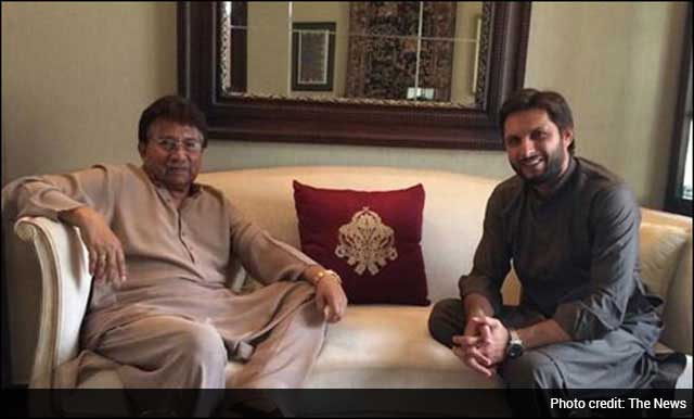 Shahid Afridi Meets Former Pakistan President Pervez Musharraf