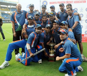 Yuvraj Singh's India Blue beat Virat Kohli's Delhi to win Challenger Trophy