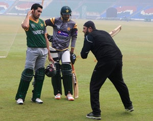 Inzamam ul Haq advises Pakistan batsmen to be aggressive