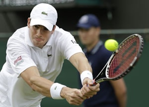 Isner upset by Falla in 1st round at Wimbledon