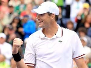 Isner shocks Djokovic to reach Indian Wells final
