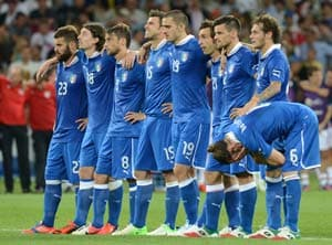 Italian football team's plane hit by lightning