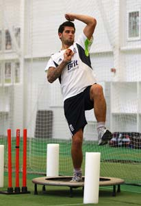 England call-up Dernbach to replace Shahzad