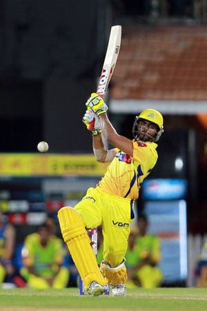 IPL 2013: Ravindra Jadeja pulls off last-ball win for Chennai over Bangalore