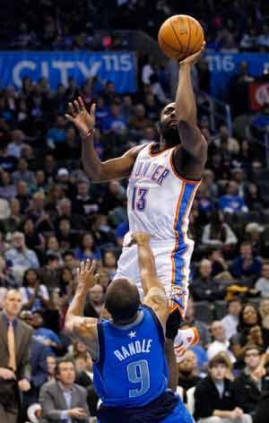 Thunder top Mavericks 87-83 to sweep preseason