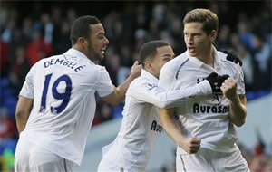 Tottenham Spurs edge Swansea to relaunch top-four challenge