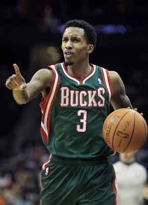 Jennings has 34 points to lead Bucks past Nets