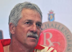 IPL 2013: Ray Jennings pins hope on fit-again Zaheer Khan in playoffs