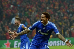 Jermaine Jones' strike earns Schalke draw at Galatasaray