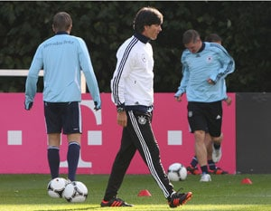 Joachim Loew looks for off-beat Germans to find rhythm