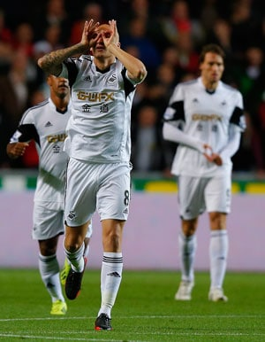 Swansea City hammer Newcastle United 3-0