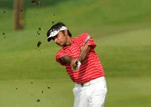 Randhawa, Jeev stay within striking distance in Malaysia