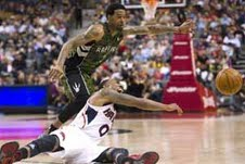 Teague helps Hawks beat Raptors