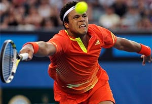Tsonga downs Istomin at Australian Open