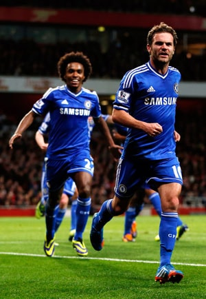 Chelsea knock Arsenal out of League Cup, Manchester United thrash Norwich