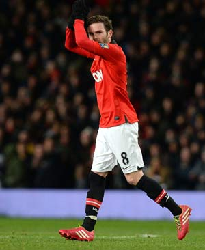 David Moyes backs Juan Mata to plug Robin van Persie gap
