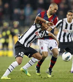 Juventus held to costly 1-1 draw at Bologna
