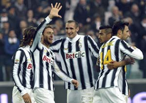 Ambitious Juventus facing challenges to title defence