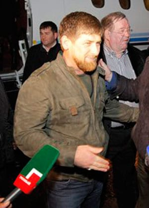 Chechen strongman taunts referee, apologises later
