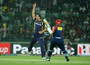 IPL 5: Kolkata Knight Riders beat Delhi Daredevils to take top-spot