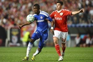 Kalou strikes as Chelsea down Benfica
