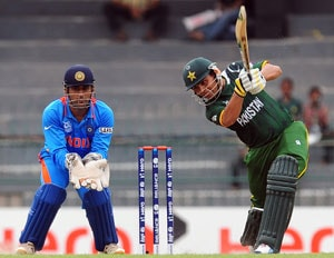 ICC World T20 warm-up: Kamran Akmal fires Pakistan to victory over India