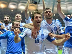 Euro 2012: Greece reach last eight as Russia exit