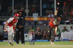 IPL 6: Sunrisers reach the pinnacle with a scrappy win over Kings XI