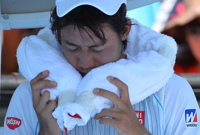 Australian Open: Kei Nishikori beats Lajovic, heat to progress