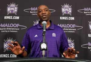 Kings fire Westphal, bring in Smart as new coach