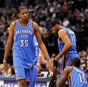 Durant comes up big as Thunder beat Rockets 98-95