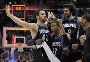 Love hits 3 at buzzer, Timberwolves top Clippers