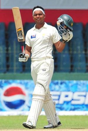 Opener Khurram Manzoor returns for Pakistan's tour of Zimbabwe